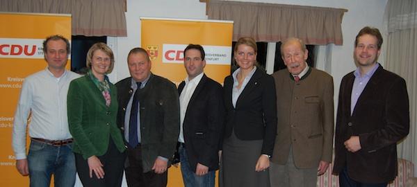 v. l. n. r.: Benedikt Schulze Hülshorst (stellv. Vors.), Anja Karliczek (CDU-Bundestagskandidatin), Josef Hovenjürgen (stellv. Vors. der CDU-Landtagsfraktion), Achim Rietmann (Vorsitzender), Christina Schulze Föcking (MdL und CDU Kreisvorsitzende), Constantin Freiherr Heereman, Wenzel Everwand (stellv. Vors.)