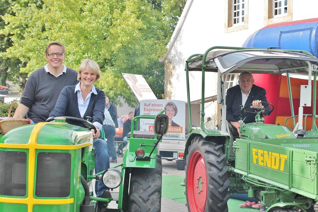 Robert Everwand, Anja Karliczek und Karl-Josef Laumann MdL